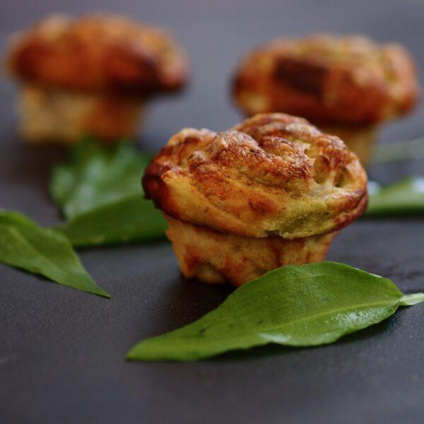 Muffiny s medvědím česnekem